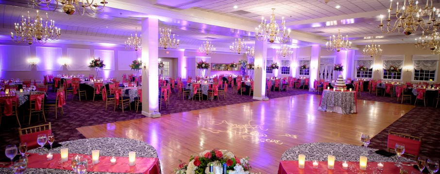 Wedding Boston, up lighting, up lights, photo booth, djs, dj, boston, massachusetts, wedding, uplighting, uplights, disc jockey, Black Swan, Country Club