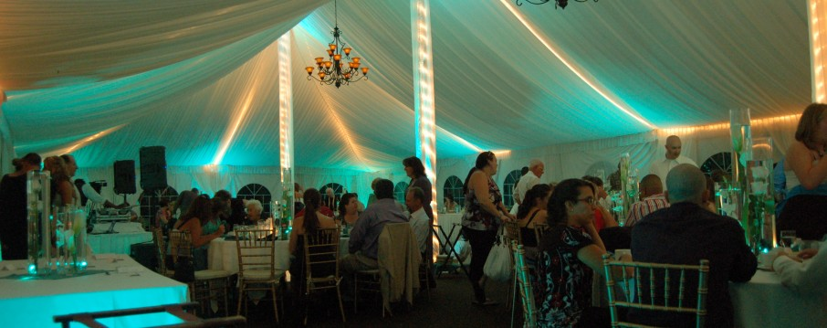 Transform your tent wedding to wow your guest. Wedding Boston, up lighting, up lights, photo booth, djs, dj, boston, massachusetts, wedding, uplighting, uplights, disc jockey